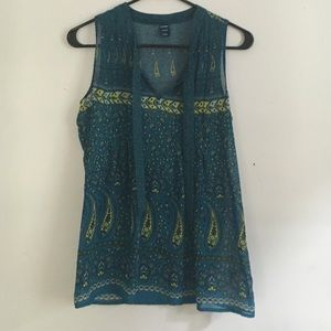 Blue, thin, patterned business top.