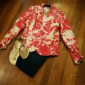 NYC perfectly bloomed floral blazer