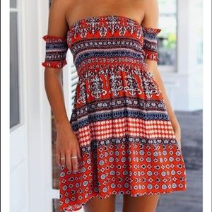 Dresses & Skirts - Red open should dress