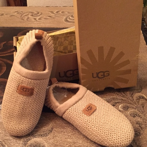 321956adb1 ❤️SALE❤️Ugg House shoes NEW IN Box
