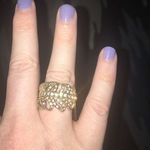 Feather crystal embossed ring!