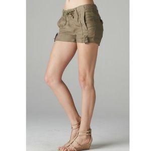 Esley Pants - Khaki Linen Shorts
