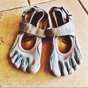 Vibram Shoes - Vibram Five Finger Shoes W38