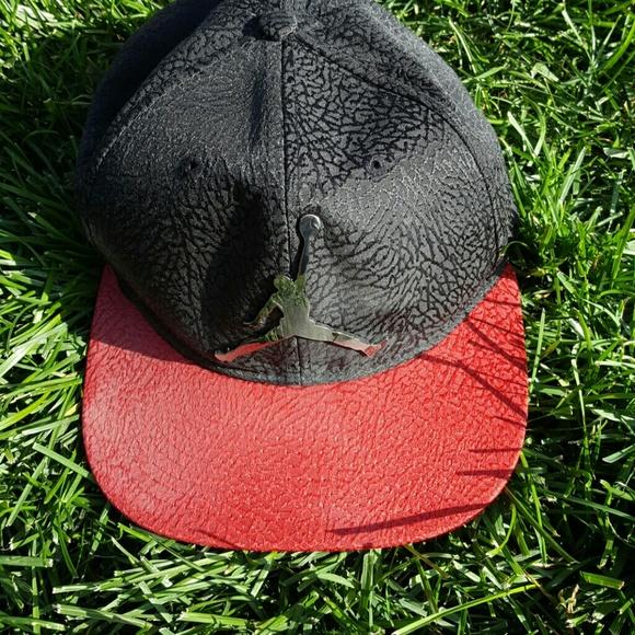 4068114b253d7 Nike Air Jordan hat. M 579a7cb0f0137d4d5c02a886