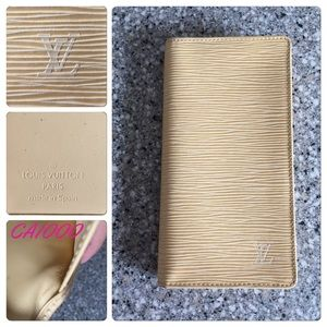 Authentic Louis Vuitton Epi Checkbook Wallet