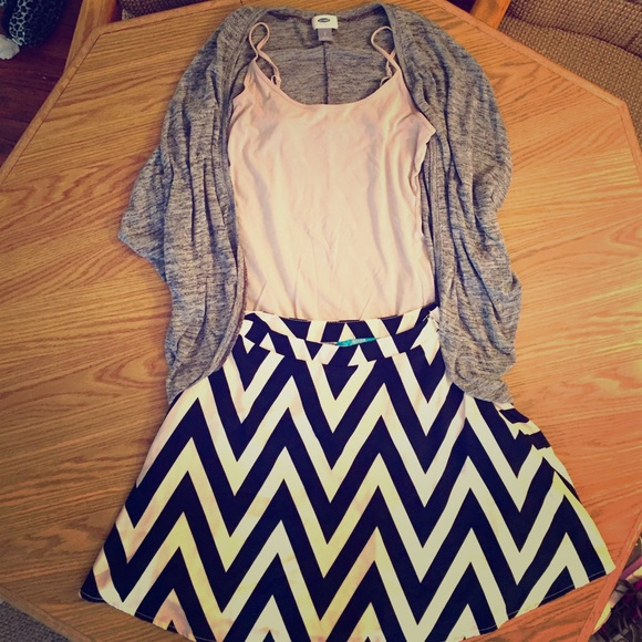 89d749c909 Francesca's Collections Skirts | Chevron Navy Blue And White Circle ...