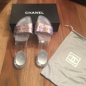 Chanel Lucite 39