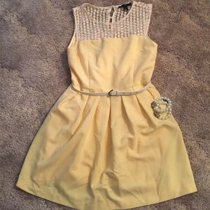 Forever21 Yellow dress size L