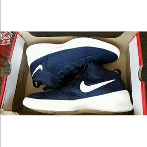 Nike Sko Størrelse 12 Svart UQ4ZLO
