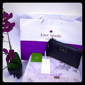 New Kate Spade Leather Layton Wellesley Wristlet!