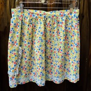 Vintage floral apron handmade. Perfect condition.
