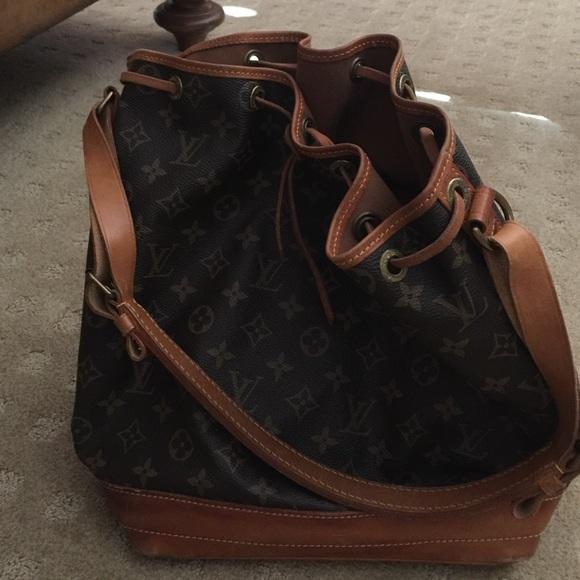 Louis Vuitton Handbags - Louis Vuitton Vintage bucket(feed bag) 44ab845fa2472