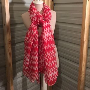 Accessories - Red white chevron scarf