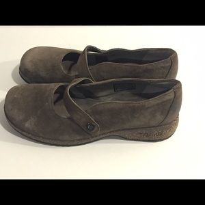 Teva Shoes - Teva Brown Gray Mary Jane Size 7. EUC
