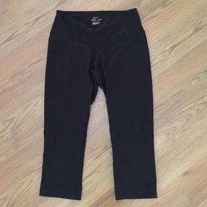 Nike Dri-Fit cropped black leggings