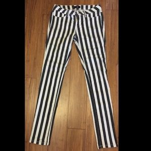 Denim - Black and white striped stretch jeans