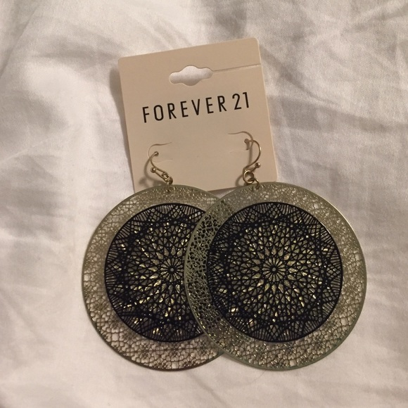 20 off forever 21 jewelry forever 21 gold black for Forever 21 jewelry earrings