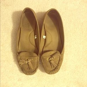 Comfortable loafers/flats. Size 8.5