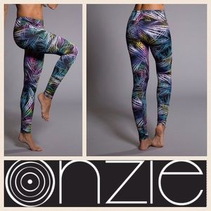 Anthropologie Pants - NEW!  Onzie low rise long print legging in Krypton