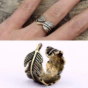 Jewelry - Feather Vintage Style Ring