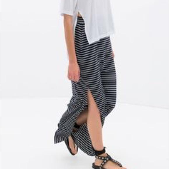 7617ac39566d ZARA Knit Striped Maxi Skirt with Slit. M_579aec4b6d64bc0f1103aa21