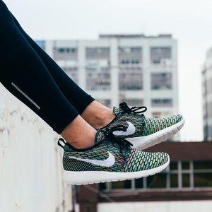 Nike Shoes - NIKE FLYKNIT ROSHE 1.0 MULTICOLOR (VNDS)