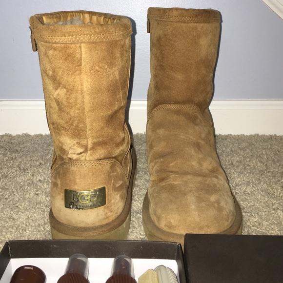 22271532518 Ugg Short Zippered Boot Chestnut