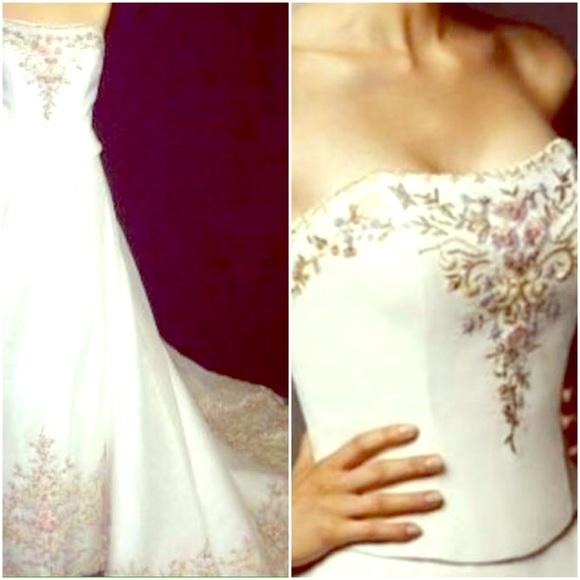 Dresses & Skirts - Two piece A-line Wedding Dress Size 8