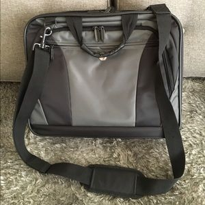 Targus Other - 🔎CLEARANCE🔍 Laptop bag briefcase