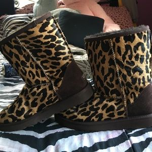Ugg boots: size 7