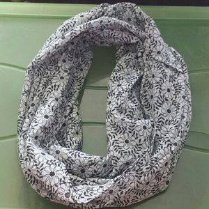 Accessories - infinity scarf. Black and white flowers