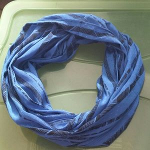 Accessories - Infinity scarf. Blue
