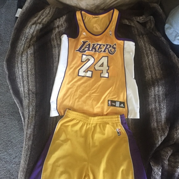 competitive price 5f6d9 f44b2 Kobe Bryant #24 Lakers Yellow Jersey and shorts.