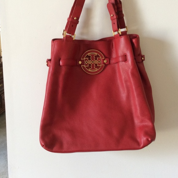 Tory Burch Handbags - ❤️HUGE SALE❤ authentic Tory Burch. 0c08e53ee479