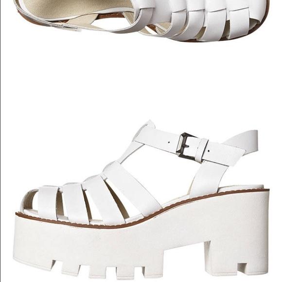 2320a78b8da Windsor Smith Fluffy White Platform Sandals. M 579bb6d94127d0ad2e00bef1