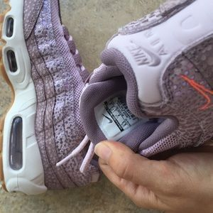 separation shoes 5def6 1fc65 Nike Shoes - Nike air max 95 plum lilac 6.5 running Shoes euc