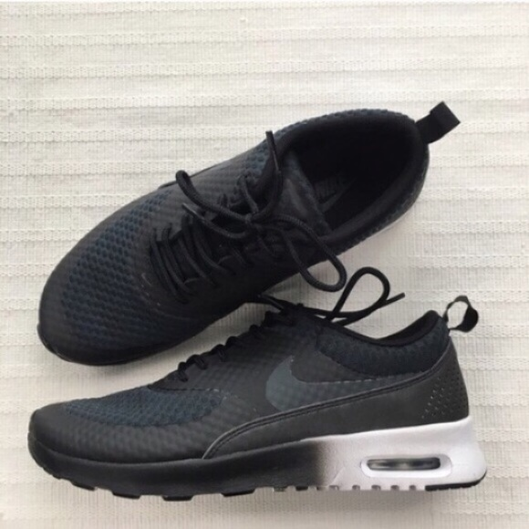 new style 909e6 c37c8 Nike Air Max Thea sneakers with an Ombré effect