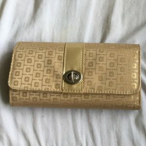 Accessory Collective Handbags - Beautiful wallet