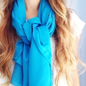 | new | oversized blue scarf
