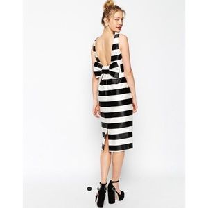 Asos Dresses & Skirts - Asos Stripped Bow Dress