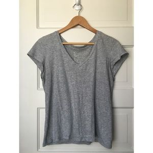 Grey Gap Essential V-Neck Tee