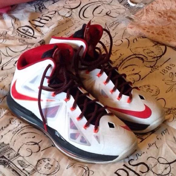 big sale e2a8a ed686 Nike Lebron women's basketball shoe