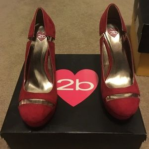 Brand new 2b  Bebe shoes red