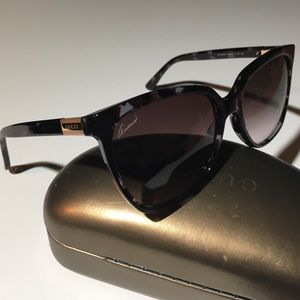 Gucci oversized sunglasses - worn twice