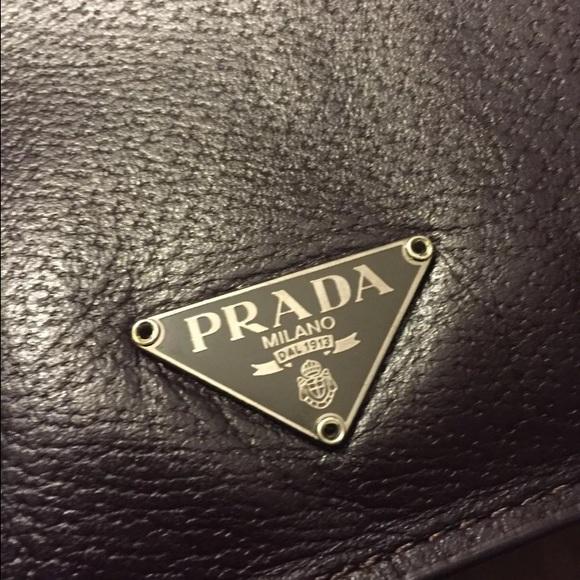 2b8bceeab0ca Authentic Vintage Prada Saffiano Leather Briefcase.  M 579c49cabcd4a73edd05fc5f