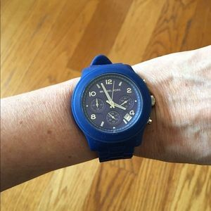 Michael Kors Accessories - Authentic MICHAEL KORS watch, like new💙