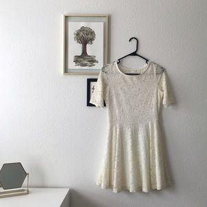 Kirra Ivory Lace Dress 😍