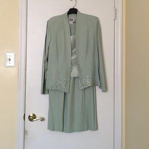 Dresses & Skirts - Size 10, 2 piece Skirt suit set
