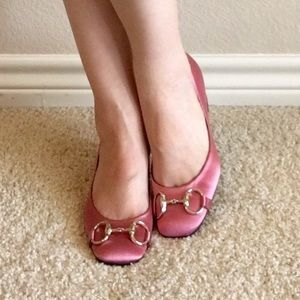 7d95ab420 Gucci Shoes - 💯% Authentic Gucci Pink Satin Low Heel Pump (5.5)