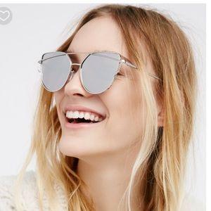 🆕 🎉 HP🎉 Silver Metal Mirrored Sunglasses
